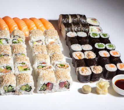 Sushi box 62