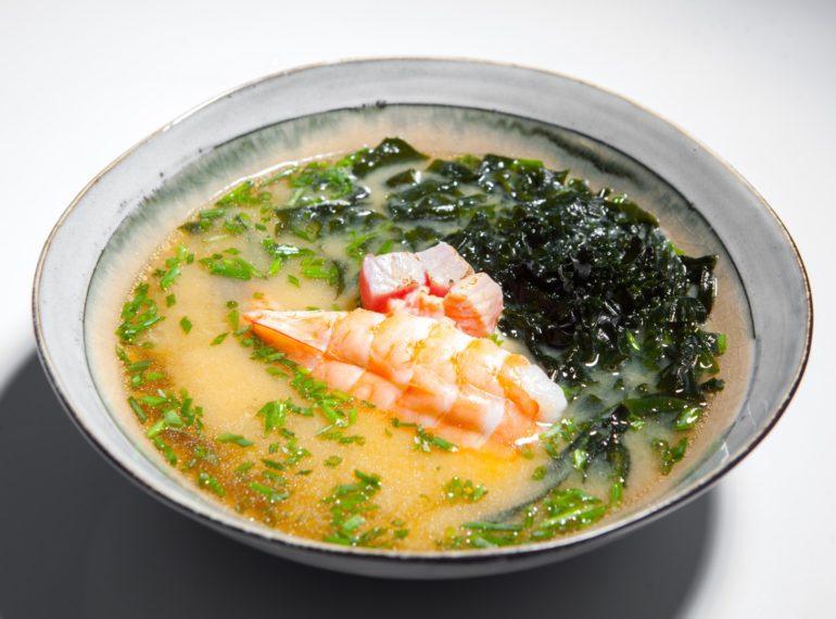 supa miso picanta cu fructe de mare
