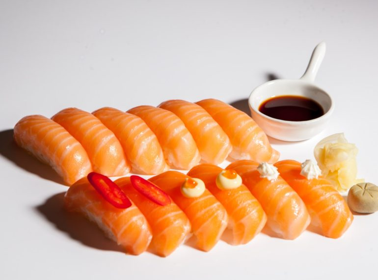 salmon nigiri mix